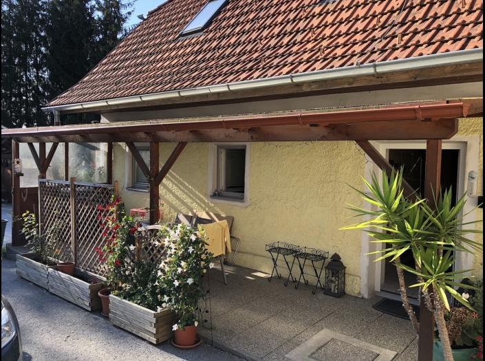 Geräumige 3 Zimmerwohnung mit Terrasse und Carport  8200 Gleisdorf / Brodersdorf